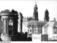 Bundesarchiv_Bild_183-1990-0125-012,_Dresden,_Hotel__Dresdner_Hof_,_Ruine