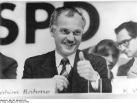 Bundesarchiv_Bild_183-1990-0222-016,_Leipzig,_SPD-Parteitag,_Ibrahim_Böhme