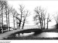 Bundesarchiv_Bild_183-1990-0327-006,_Neubrandenburg,_Tollensee
