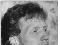 Bundesarchiv_Bild_183-1990-0404-025,_SG_Dynamo_Dresden,_Matthias_Sammer