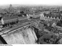 Bundesarchiv Bild 183-1990-0621-018 Rostock Rathaus