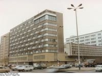 Bundesarchiv Bild 183-1990-0810-408, Berlin, Gebäude des ADN