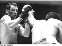 Bundesarchiv Bild 183-1990-0908-003 Boxkampf Henry Maske Jorge Jose Salgado
