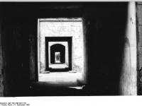 Bundesarchiv Bild 183-1990-0917-021, Berlin, Kastanienallee 12, Schloss-Trümmer