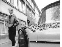 Bundesarchiv Bild 183-1990-1023-015 Trabant zur Wendezeit