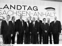 Bundesarchiv Bild 183-1990-1102-303 Dessau Regierung des Landes Sachsen-Anhalt