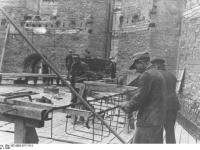 Bundesarchiv_Bild_183-2005-0717-513,_Frankfurt_am_Main,_Wiederaufbau_der_Paulskirche
