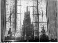 Bundesarchiv Bild 183-23200-0064, Berlin, Sowjetische Botschaft, Buntglasfenster