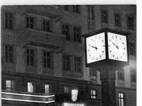 Bundesarchiv Bild 183-23209-0001, Berlin, Stalinallee, Café, Winter, Nacht