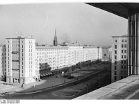 Bundesarchiv Bild 183-23310-0009, Berlin, Karl-Marx-Allee, Block E-Nord