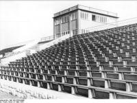Bundesarchiv Bild 183-23703-0009, Berlin, Friedrich-Ludwig-Jahn-Stadion, Tribüne