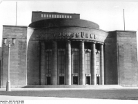 Bundesarchiv Bild 183-24219-0002, Berlin, Volksbühne, Außenansicht