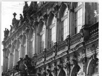 Bundesarchiv_Bild_183-24843-0002,_Dresden,_Zwinger,_Wiederaufbau