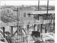 Bundesarchiv Bild 183-25692-0004, Berlin, Bau Karl-Marx-Allee, Hochhaus Block F-Süd