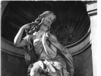 Bundesarchiv_Bild_183-26055-0013,_Dresden,_Zwinger,_Plastik_von_Balthasar_Permoser