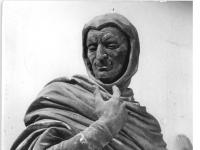 Bundesarchiv_Bild_183-26055-0017,_Dresden,_Zwinger,_Statue_Mephistopheles