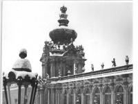 Bundesarchiv_Bild_183-28225-0003,_Dresden,_Zwinger,_Kronentor