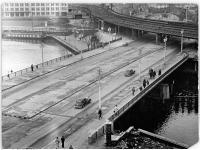 Bundesarchiv Bild 183-29613-0001, Berlin, Janowitzbrücke, Eisenbahnbrücke
