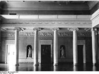 Bundesarchiv_Bild_183-30388-0005,_Weimar,_Schloss,_großer_Festsaal