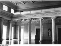 Bundesarchiv_Bild_183-30388-0006,_Weimar,_Schloss,_großer_Festsaal