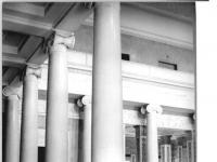 Bundesarchiv_Bild_183-30388-0008,_Weimar,_Schloss,_großer_Festsaal,_Säulen