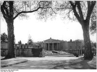 Bundesarchiv_Bild_183-30705-0008,_Potsdam,_Park_Sanssouci,_Charlottenhof
