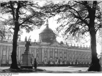Bundesarchiv_Bild_183-30705-0011,_Potsdam,_Neues_Palais