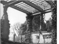 Bundesarchiv_Bild_183-30705-0016,_Potsdam,_Park_Sanssouci,_römische_Bäder