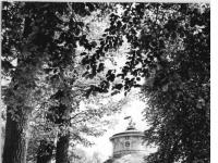 Bundesarchiv_Bild_183-30705-0017,_Potsdam,_Park_Sanssouci,_Chinesisches_Teehaus