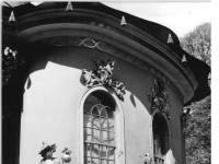 Bundesarchiv_Bild_183-30705-0018,_Potsdam,_Park_Sanssouci,_Chinesisches_Teehaus