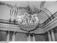 Bundesarchiv_Bild_183-32221-0010,_Berlin,_Deutsche_Staatsoper,_Apollosaal