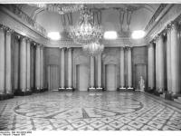 Bundesarchiv_Bild_183-32579-0003,_Berlin,_Deutsche_Staatsoper,_Apollosaal