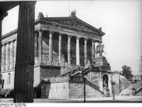 Bundesarchiv_Bild_183-32986-0002,_Berlin,_Nationalgalerie