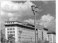 Bundesarchiv Bild 183-39571-0002, Berlin, Karl-Marx-Allee, Block C-Nord