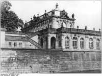 Bundesarchiv_Bild_183-42354-0002,_Dresden,_Zwinger