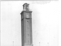 Bundesarchiv_Bild_183-48070-0002,_Leipzig,_Zentralstadion,_Glockenturm,_Bankübung