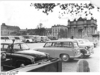 Bundesarchiv_Bild_183-52303-0006,_Potsdam,_Platz_der_Nationen