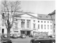 Bundesarchiv Bild 183-54478-0001, Berlin, Deutsches Theater, Außenansicht