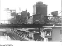 Bundesarchiv Bild 183-57339-0006 VEB Leuna-Werke Werkbahnhof
