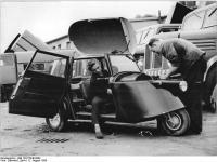 Bundesarchiv_Bild_183-57445-0002,_VEB_Spezialfahrzeugwerk_Berlin,_Kleinauto_KS_125