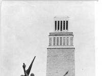 Bundesarchiv Bild 183-58959-0003, Gedenkstätte Buchenwald, Mahnmal, Glockenturm