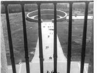 Bundesarchiv Bild 183-58959-0007, Gedenkstätte Buchenwald, Mahnmal, Ringgrab 3