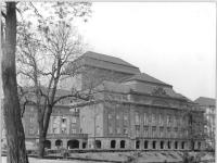 Bundesarchiv_Bild_183-64231-0001,_Dresden,_Staatstheater