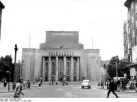 Bundesarchiv_Bild_183-64682-0008,_Berlin,_Volksbühne_am_Rosa-Luxemburgplatz