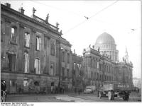 Bundesarchiv_Bild_183-69141-0002,_Potsdam,_Stadtschloss,_Nikolaikirche