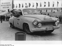 Bundesarchiv_Bild_183-73814-0001,_I._Internationale_Automobil-Rallye_Moskau-Prag