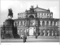 Bundesarchiv_Bild_183-73973-0001,_Dresden,_Semper-Oper