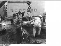 Bundesarchiv Bild 183-88574-0004, Berlin, Mauerbau, Bauarbeiten