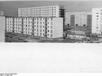 Bundesarchiv Bild 183-91382-0002, Berlin, Karl-Marx-Allee, Neubauten