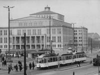 Bundesarchiv_Bild_183-92439-0001,_Leipzig,_Karl-Marx-Platz,_Opernhaus